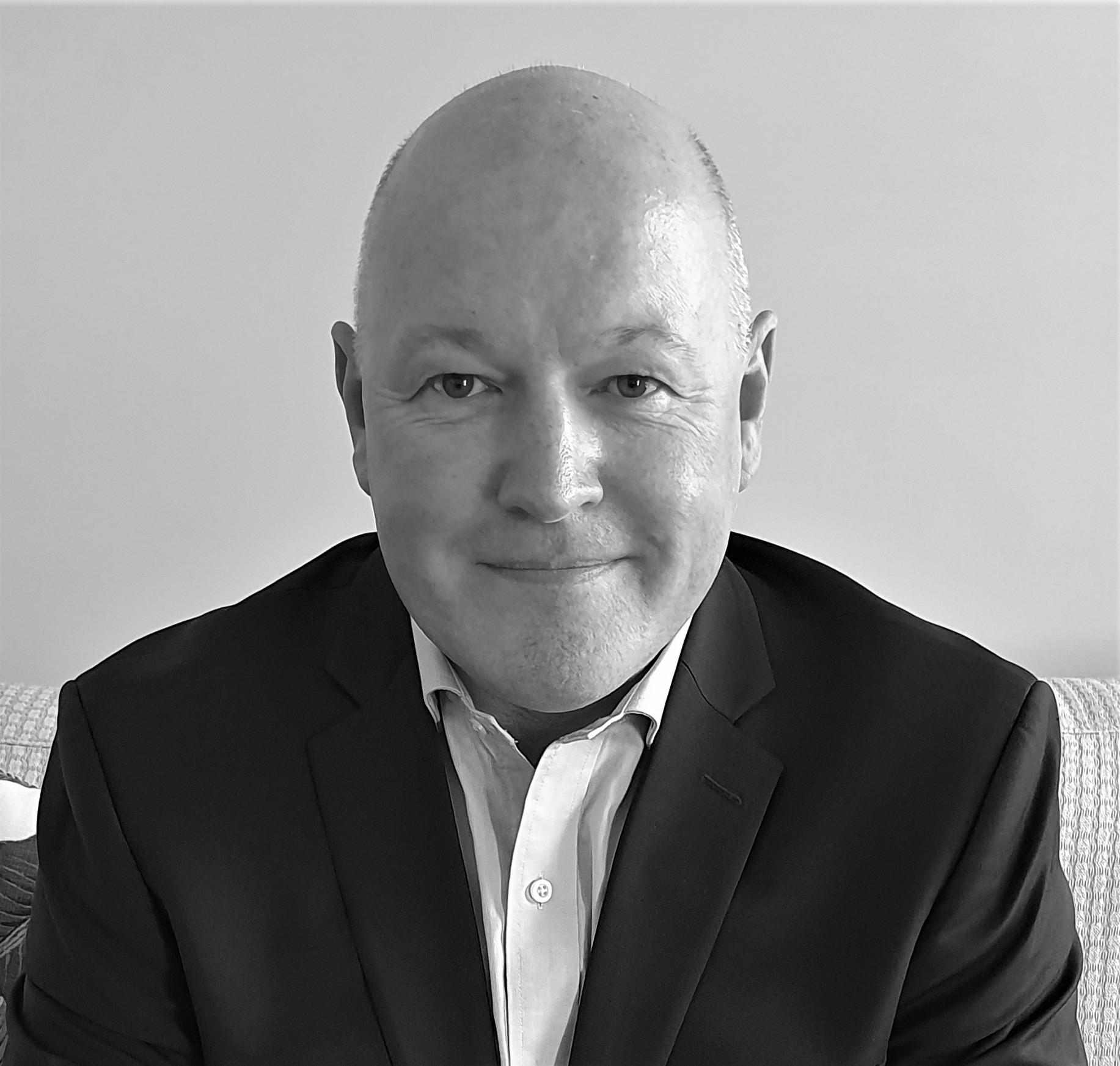Peter Deans Headshot